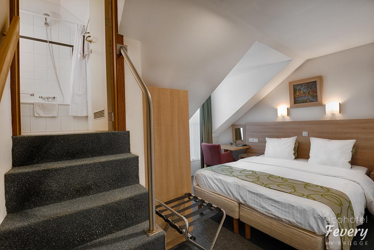 Mansarde kamer met balkon s drupal - Kleedkamer voor mansard kamer ...